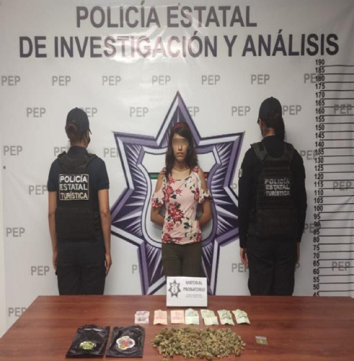 Detienen a narcovendedora con marihuana y LSD en el Centro Histórico