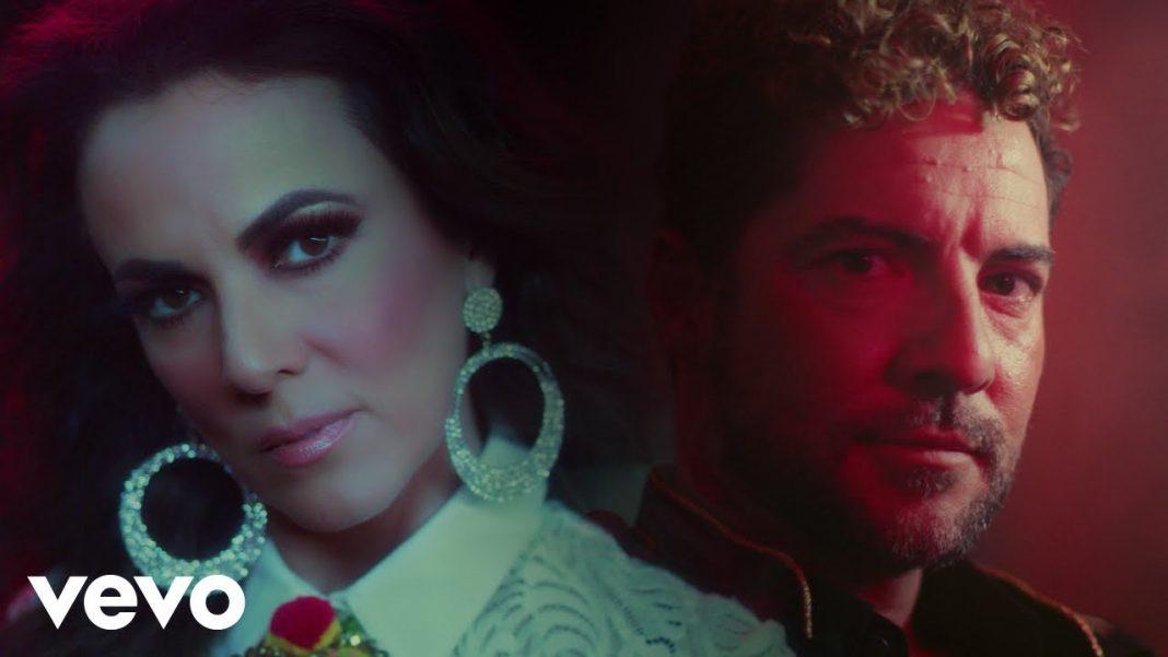Es complicado, el dueto a mariachi de Edith Márquez y David Bisbal