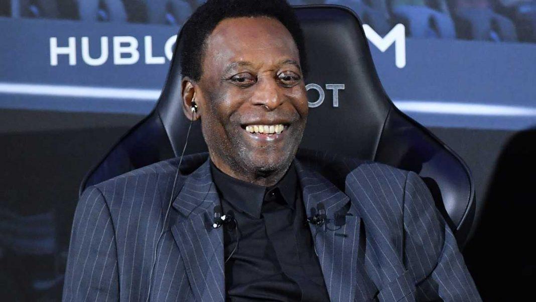 Pelé continua hospitalizado tras estudios de rutina