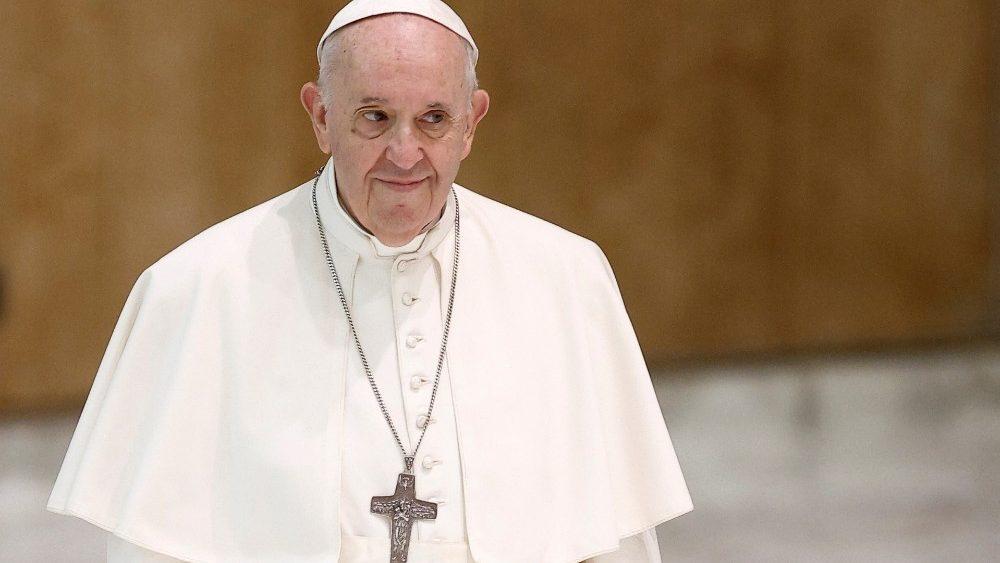 Papa Francisco desmiente rumores de renuncia