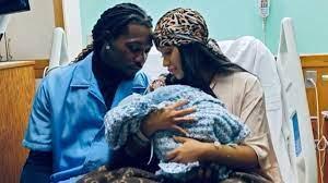 Cardi B y Offset comparten el nacimiento de su bebé